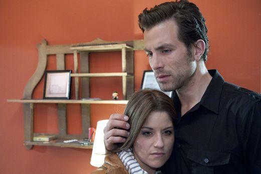 Hand aufs Herz - Wie gehen Bea (Vanessa Jung, l.) und Michael (Andreas Jancke...