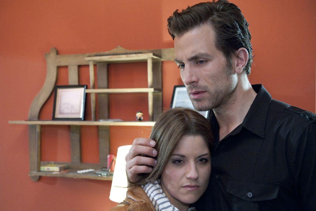 Wie gehen Bea (Vanessa Jung, l.) und Michael (Andreas Jancke, r.) nach ihrer Trennung mit der neue Situation um? - Bildquelle: SAT.1