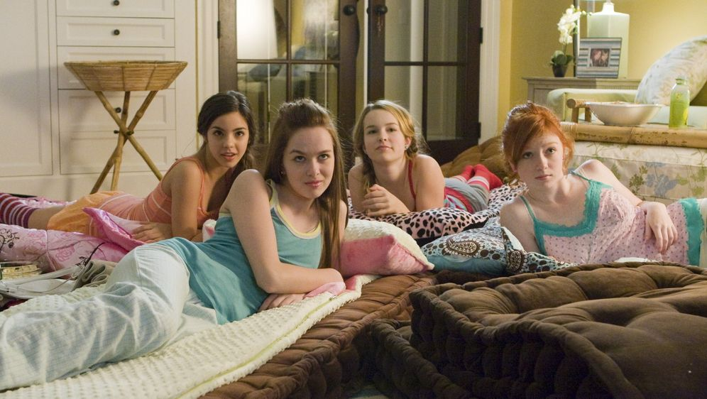 Die Glamour-Clique - Cinderellas Rache - Bildquelle: 2008 Warner Bros.