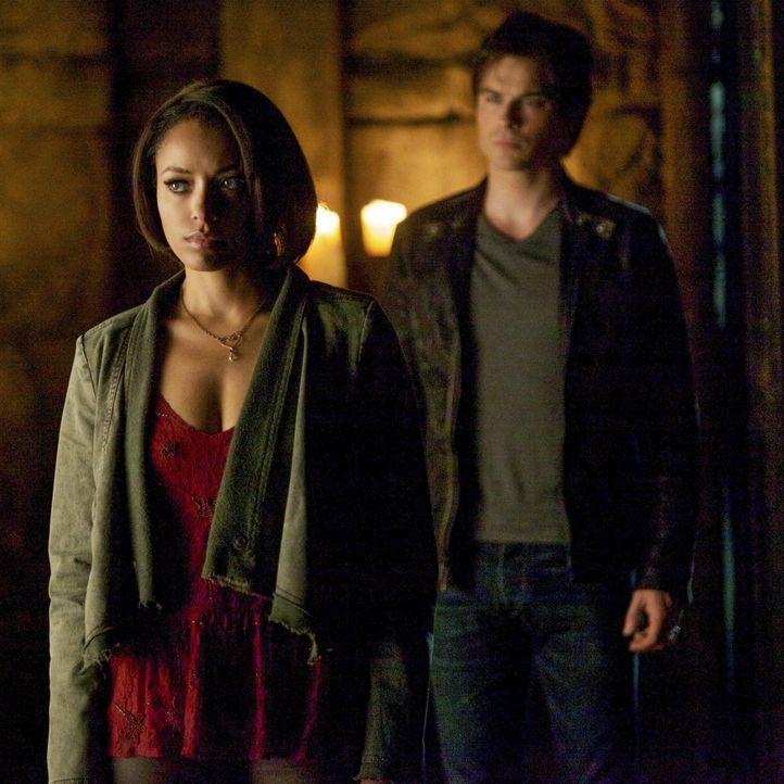 Bonnie und Damon zusammen - Bildquelle: Warner Brothers Entertainment Inc.