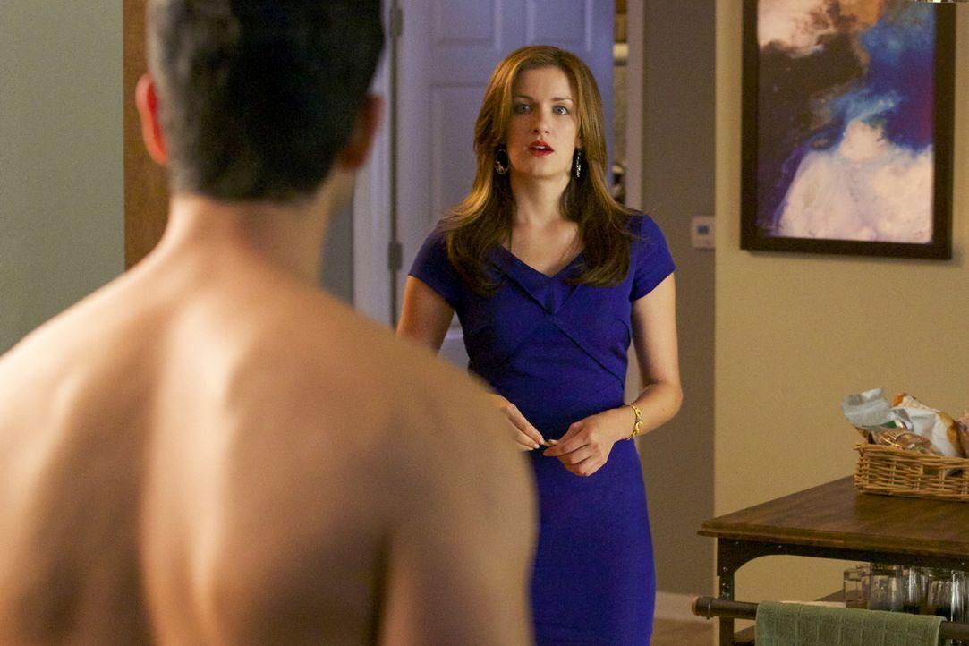 Jamie (Anna Wood) geht einen Schritt auf Preston zu, denn dieser muss bald im Fall Lee Anne aussagen ... - Bildquelle: 2013 CBS BROADCASTING INC. ALL RIGHTS RESERVED.