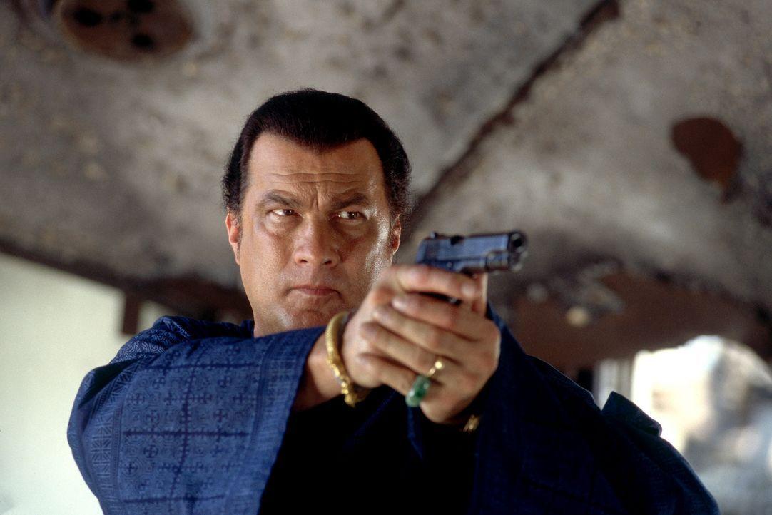 Es entbrennt ein Kampf auf Leben und Tod: Ex-CIA-Agent Jake Hopper (Steven Seagal) ... - Bildquelle: MGM Home Entertainment