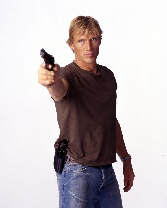 Kennt die Gauner unter seinen Kollegen und will ihnen das Handwerk legen: Officer Frank Gannon (Dolph Lundgren) ... - Bildquelle: Nu-Image Films