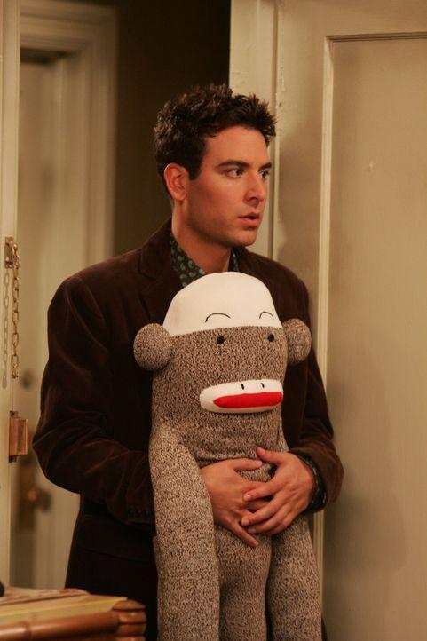 Ted (Josh Radnor) trägt neuerdings ein Hemd, welches ihm vor Jahren überhaupt nicht gefallen hat. Da entwickelt er obskure Ideen bezüglich seiner Ex... - Bildquelle: 20th Century Fox International Television