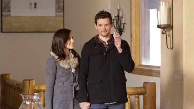 Brooke (Sophia Bush, l.) und Julian (Austin Nichols, r.) haben sich in der Hü...