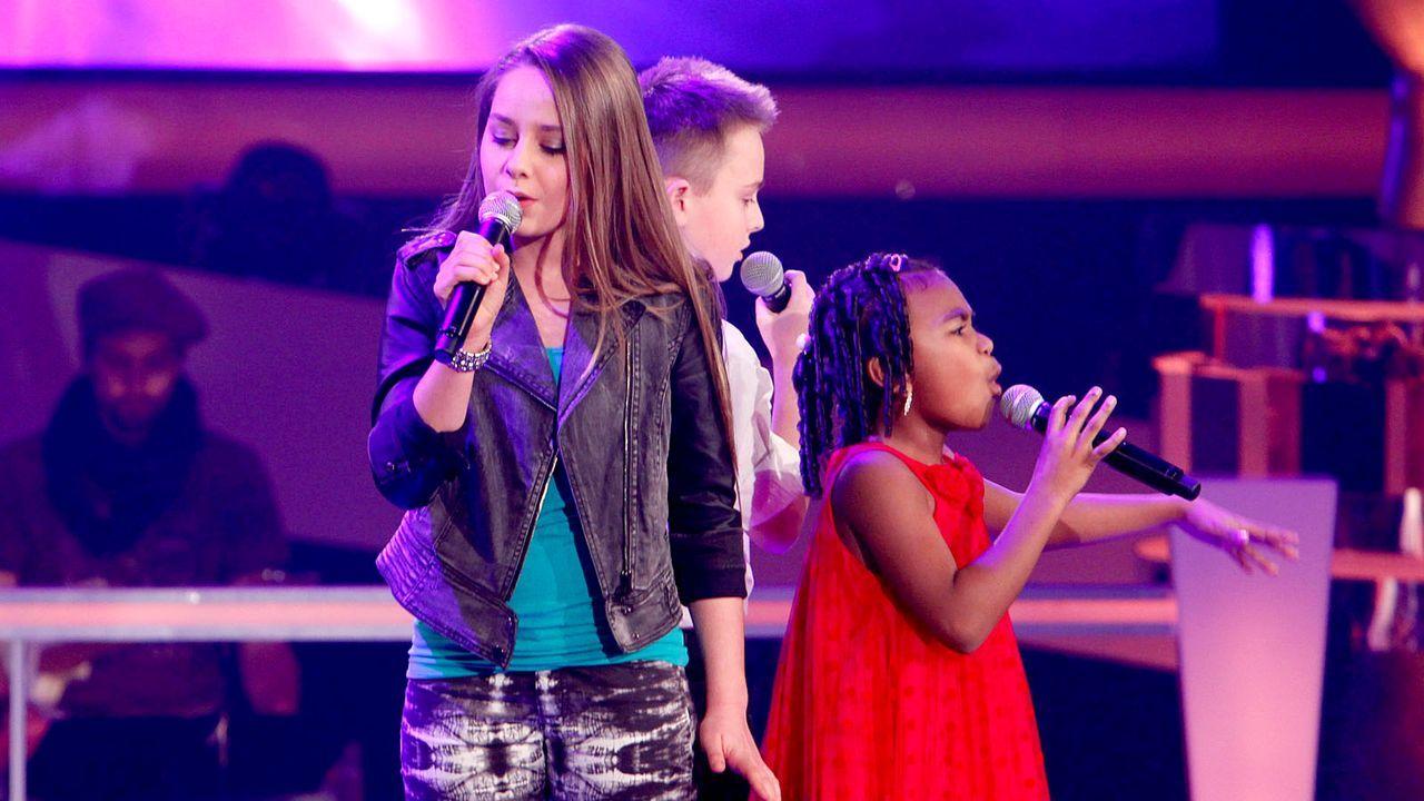 The-Voice-Kids-epi05-Mike-Olivia-Chelsea-1-SAT1-Richard-Huebner - Bildquelle: SAT.1/Richard Hübner