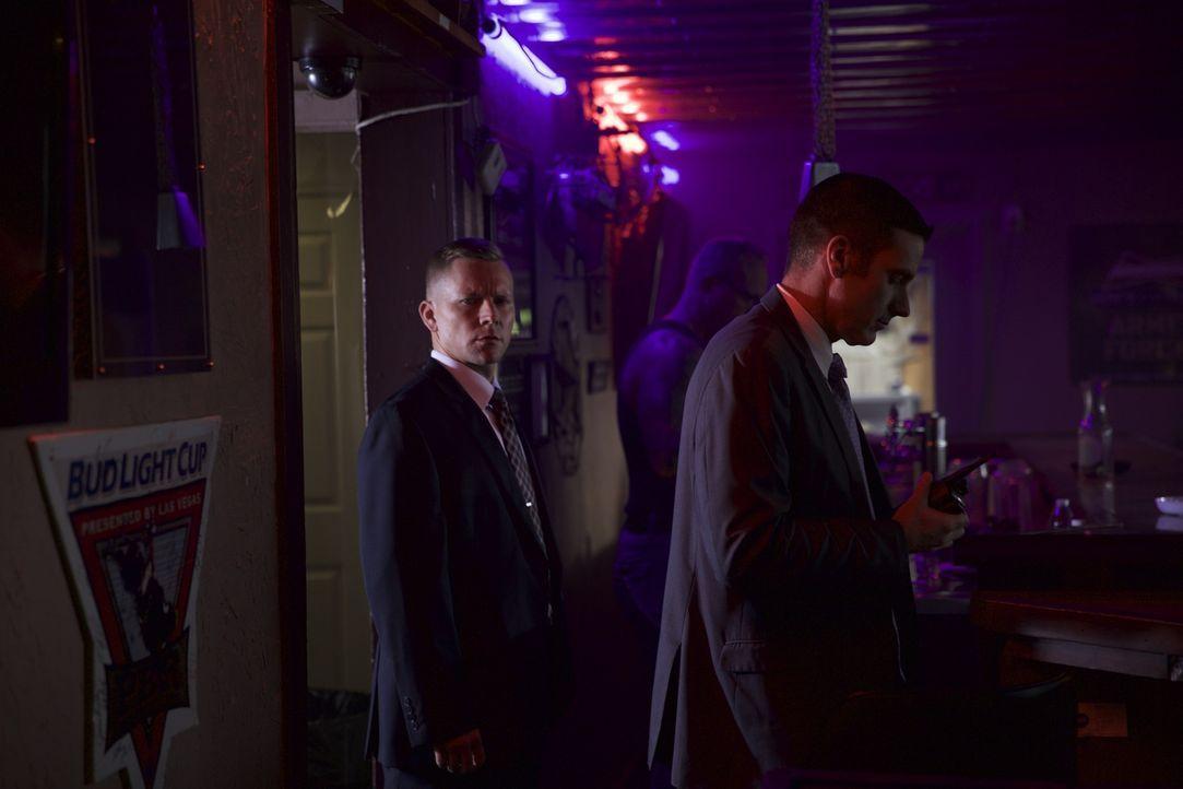 Wollen den Mörder der 37-jährigen Mary Moebus endlich finden: Lieutenant Joe Kenda (Carl Mariono, r.) und sein Team - Bildquelle: MMXV DISCOVERY COMMUNICATIONS, LLC.