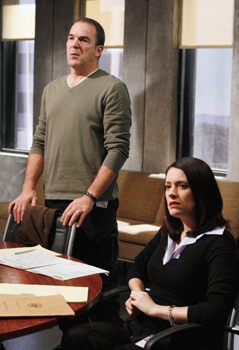 Einem Serientäter auf der Spur: Gideon (Mandy Patinkin, l.) und Emily Prentiss (Paget Brewster, r.) ... - Bildquelle: Touchstone Television