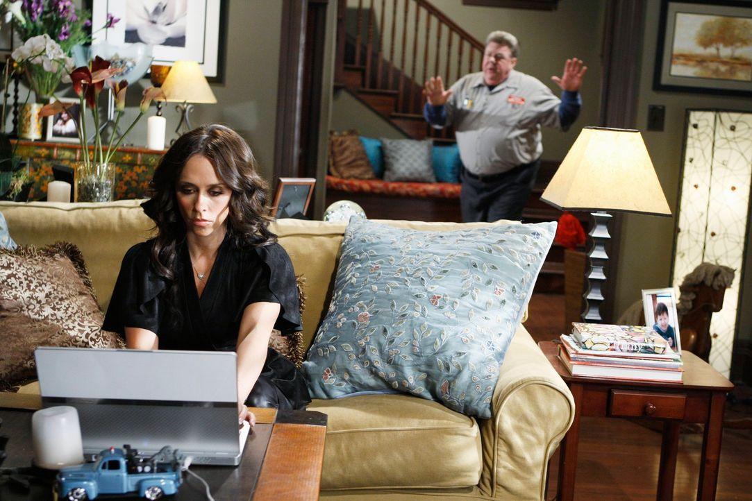 Melinda (Jennifer Love Hewitt, l.) hat plötzlich Probleme zu erkennen, wer ein Geist und wer ein Lebender ist. Auch den Klempner George (George Wend... - Bildquelle: ABC Studios