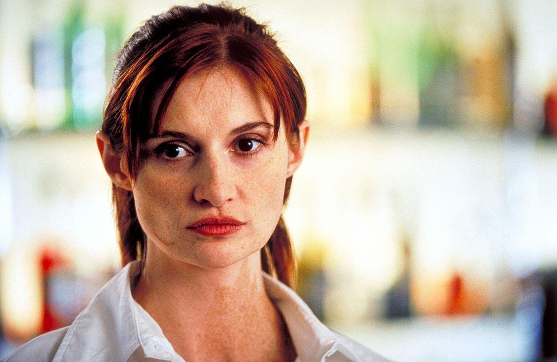 Die attraktive Janine (Karina Krawczyk) sieht Thomas' Vision verblüffend ähnlich. Auch sie ist dem Tod schon einmal entronnen ... - Bildquelle: Christian Rieger/Klick ProSieben