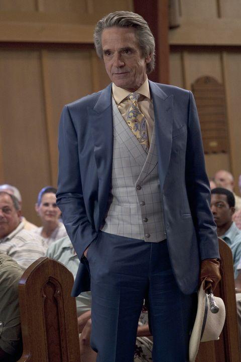 Der undurchschaubare Macon Ravenwood (Jeremy Irons) wird von allen in der Stadt gefürchtet. Er versucht alles, um Lenas und Ethans Liebe zu zerstöre... - Bildquelle: 2013 Concorde Filmverleih GmbH