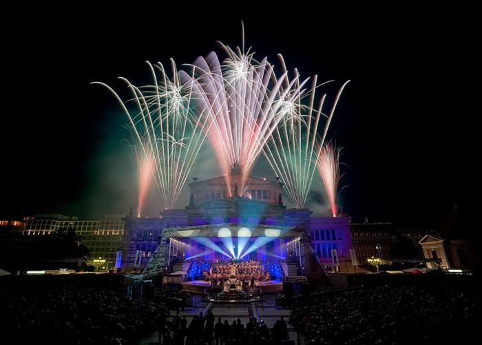 Feuerwerk-bei-der-First-Night-am-5.-Juli-(c)-Pyrophotos