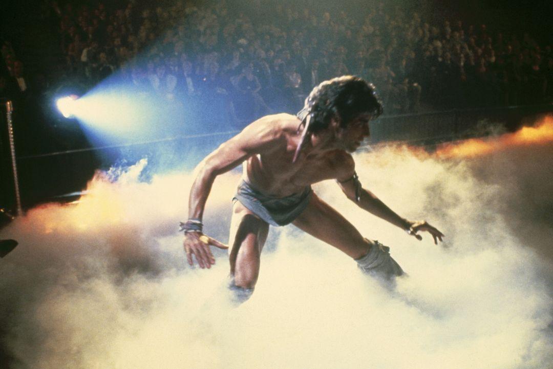Schon ewig wartet Tony Manero (John Travolta) auf seine große Chance als Broadway-Star - ob sein Traum nun in Erfüllung geht wird sich zeigen ... - Bildquelle: Paramount Pictures