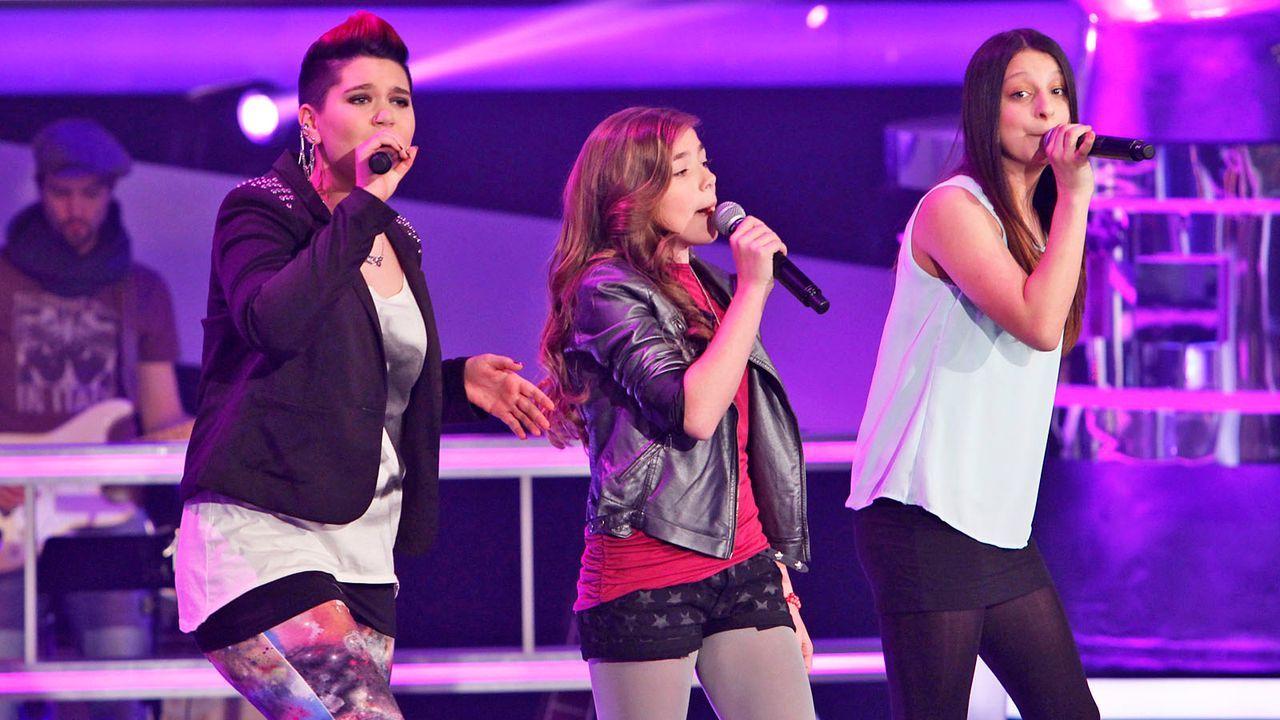 The-Voice-Kids-epi04-Luisa-Stephanie-Alexandra-23-SAT1-Richard-Huebner - Bildquelle: SAT.1/Richard Hübner