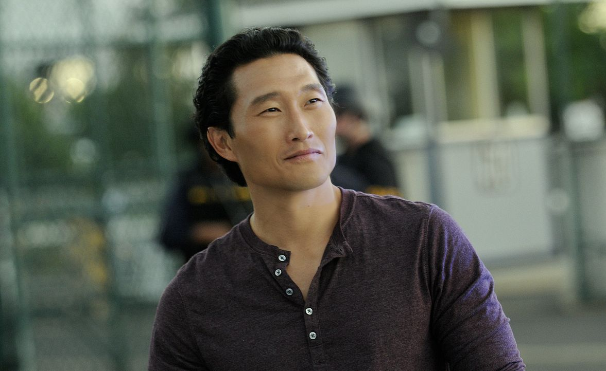 Ermittelt in einem neuen Fall: Chin (Daniel Dae Kim) ... - Bildquelle: TM &   2010 CBS Studios Inc. All Rights Reserved.