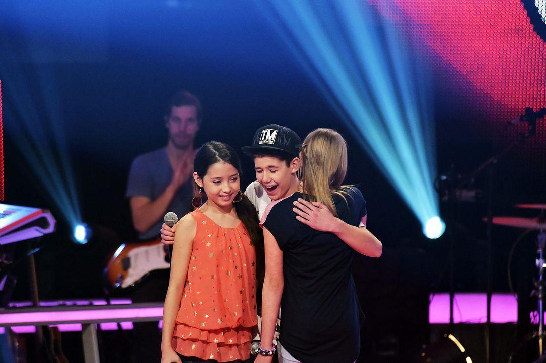 The-Voice-Kids-Stf03-Epi06-Auftritte-05-Alina-Lukas-S-Joana-SAT1-Andre-Kowalski - Bildquelle: SAT.1/ Andre Kowalski