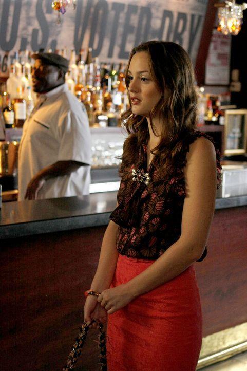 Blair (Leighton Meester) fühlt sich ausgeschlossen, da Chuck nur Serenas Hilfe benötigt. - Bildquelle: Warner Brothers