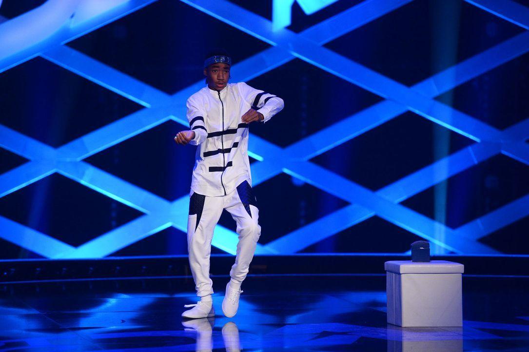 Stellt sein Können im Breakdance unter Beweis: Luciano ... - Bildquelle: Willi Weber SAT.1