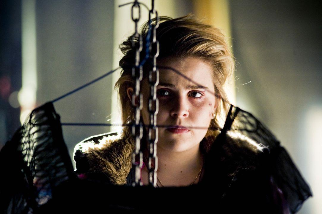 Die Statistik sagt, falls eine Entführung nicht innerhalb der ersten 48 Stunden aufgeklärt wird, bleibt das Opfer für immer verschwunden. Für den Po... - Bildquelle: Kinowelt GmbH