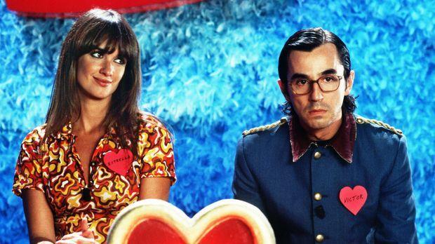 Sag' einfach ja - Landen unfreiwillig in einer Dating-Show: der extrem schüch...