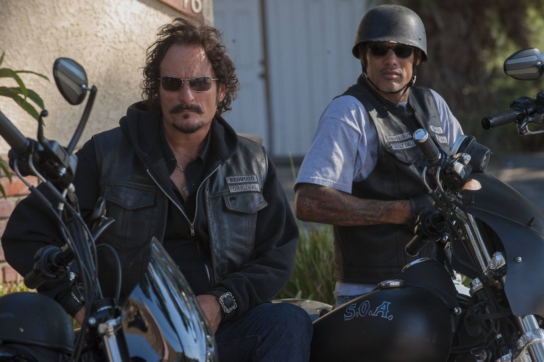 Kämpfen für ihre Überzeugungen: Tig (Kim Coates, l.) und Happy (David Labrava, r.) ... - Bildquelle: 2012 Twentieth Century Fox Film Corporation and Bluebush Productions, LLC. All rights reserved.