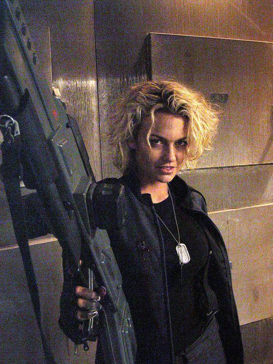 Wagt das Unmögliche: Charlie (Kelly Carlson) ... - Bildquelle: Sony Pictures
