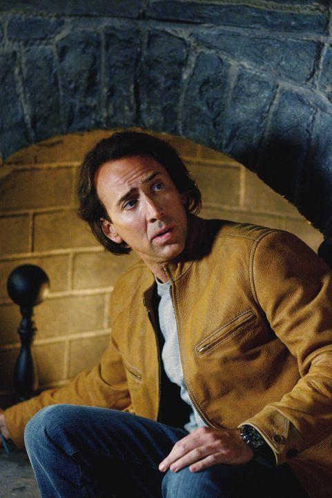 Cris Johnson (Nicolas Cage) ist mit einem unglaublichen Talent gesegnet: Er kann zwei Minuten in die Zukunft schauen, um dort sein persönliches Schi... - Bildquelle: t   2007 Paramount pictures. All Rights Reserved.
