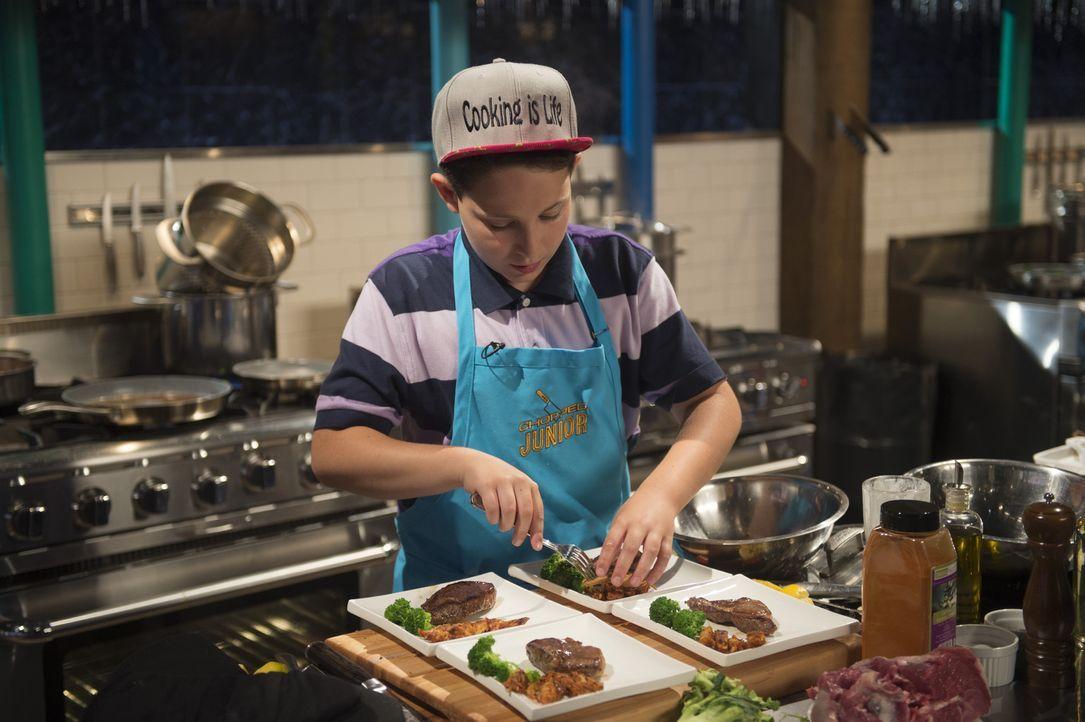 Kochen ist sein Leben: Aidan aus der Bronx gibt alles, um Chopped-Champion zu werden, damit er den Gewinn in seinen Foodtruck stecken kann, von dem... - Bildquelle: Scott Gries 2015, Television Food Network, G.P. All Rights Reserved