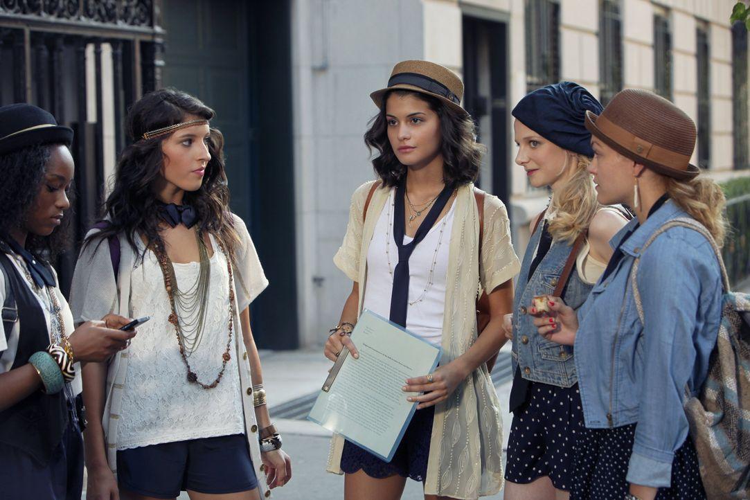 Die Clique der Constance School in Staffel 6 Gossip Girl - Bildquelle: Warner Bros. Television