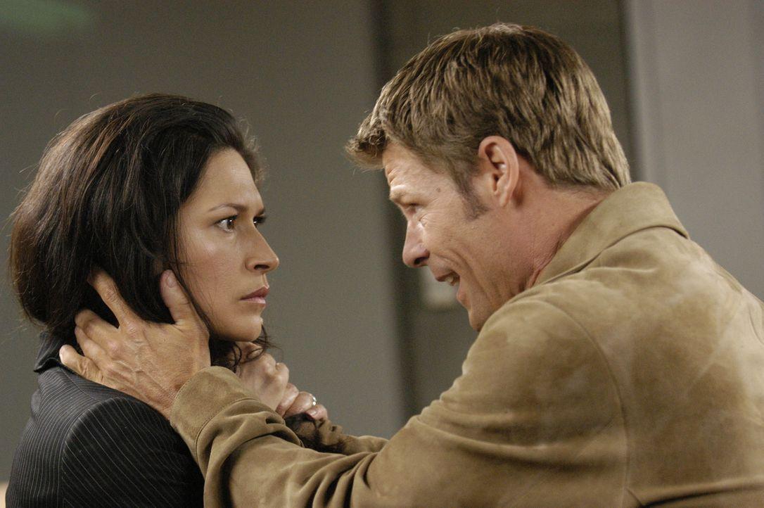 In einer neuen Welt: Alana (Karina Lombard, l.) und Tom (Joel Gretsch, r.) ... - Bildquelle: Viacom Productions Inc.
