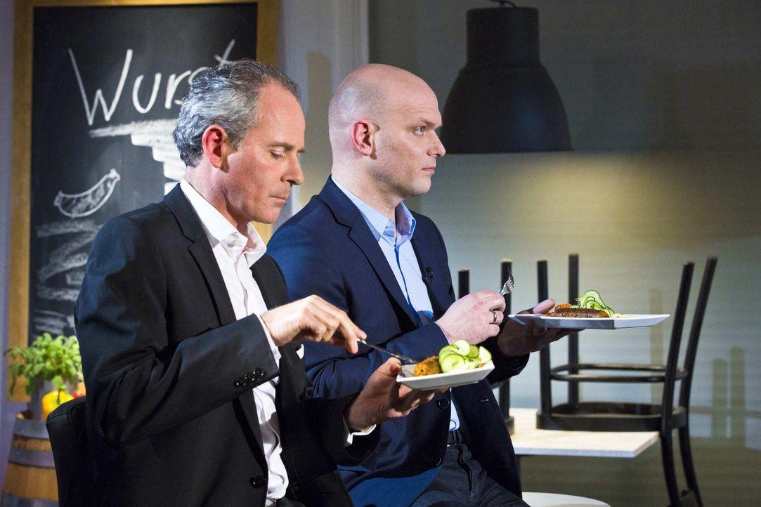 Mit Carsten Gerlach (l.), Geschäftsführer der Joey's Pizza International GmbH, und Torsten Petersen (r.), Geschäftsführer Enchilada Franchise GmbH,... - Bildquelle: Richard Hübner kabel eins