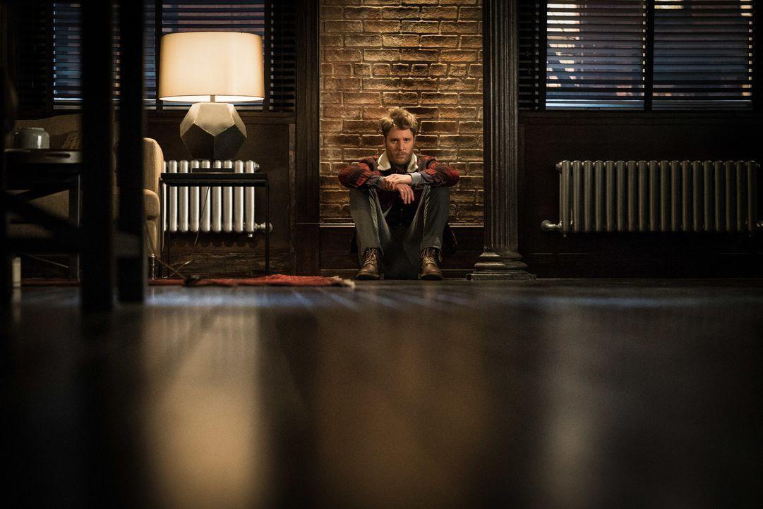 Wie wird es mit Brian (Jake McDorman) weitergehen, nachdem die Wahrheit über sein Doppelleben ans Licht gekommen ist? - Bildquelle: Michael Parmelee 2016 CBS Broadcasting, Inc. All Rights Reserved