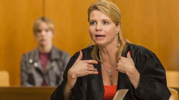 Ein neuer Fall wartet auf Danni Lowinski (Annette Frier) ... © Frank Dicks SAT.1
