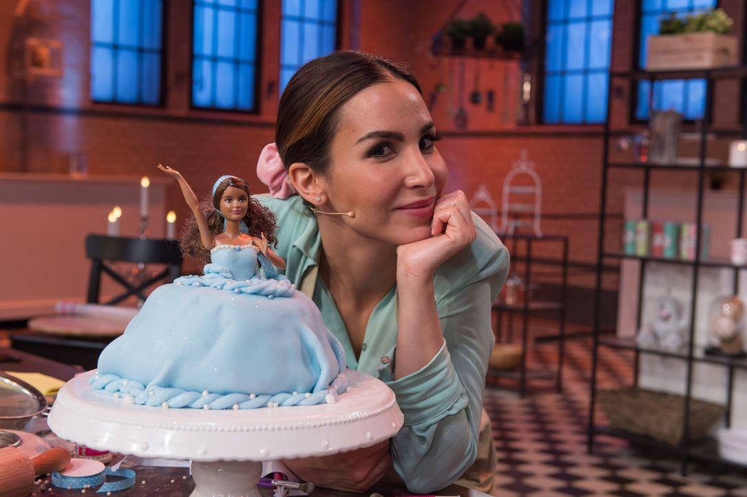 """Hat sie das Können, um """"Deutschlands bester prominenter Hobbybäcker"""" zu werden? Sila Sahin ... - Bildquelle: Claudius Pflug SAT.1"""
