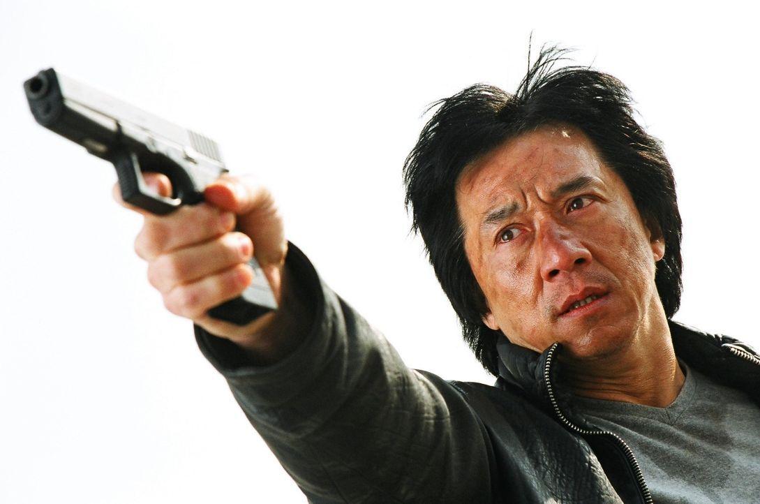 Gemeinsam mit seinem Kollegen tritt Inspektor Wing (Jackie Chan) den Kampf gegen die durchgedrehte Bande von Jugendlichen an, die sich einen Spaß d... - Bildquelle: E.M.S.