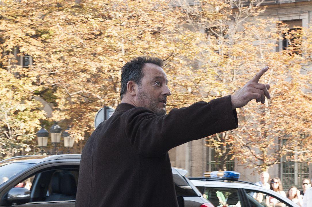 Für einen neuen Mordfall wird Jo (Jean Reno) zur Kathedrale Notre Dame gerufen. Starorganist Peter Van Vliet wurde kaltblütig ermordet und vor dem... - Bildquelle: Stéphanie Dupont Atlantique Productions