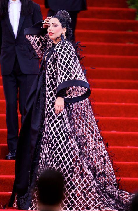 Met Gala 2015: Lady Gaga - Bildquelle: Alberto Reyes/WENN.com