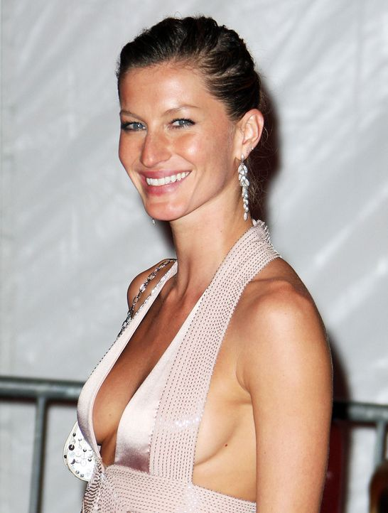 gisele-buendchen-08-05-05-1-getty-afpjpg 1499 x 1982 - Bildquelle: getty-AFP