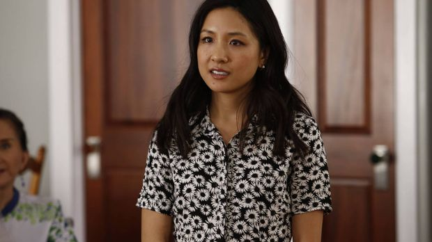 Jessica (Constance Wu) glaubt, mit dem fertig renovierten Haus viel Geld verd...