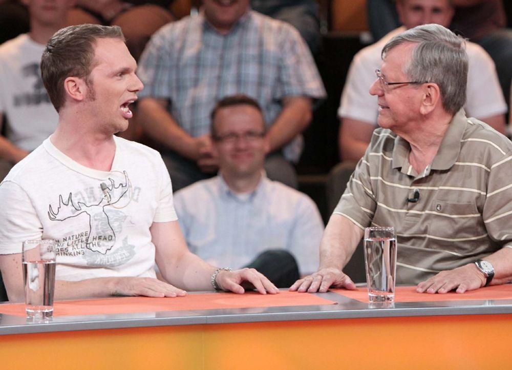 Ralf Schmitz (l.) und Herbert Feuerstein (r.) in Hochform! - Bildquelle: Sat.1