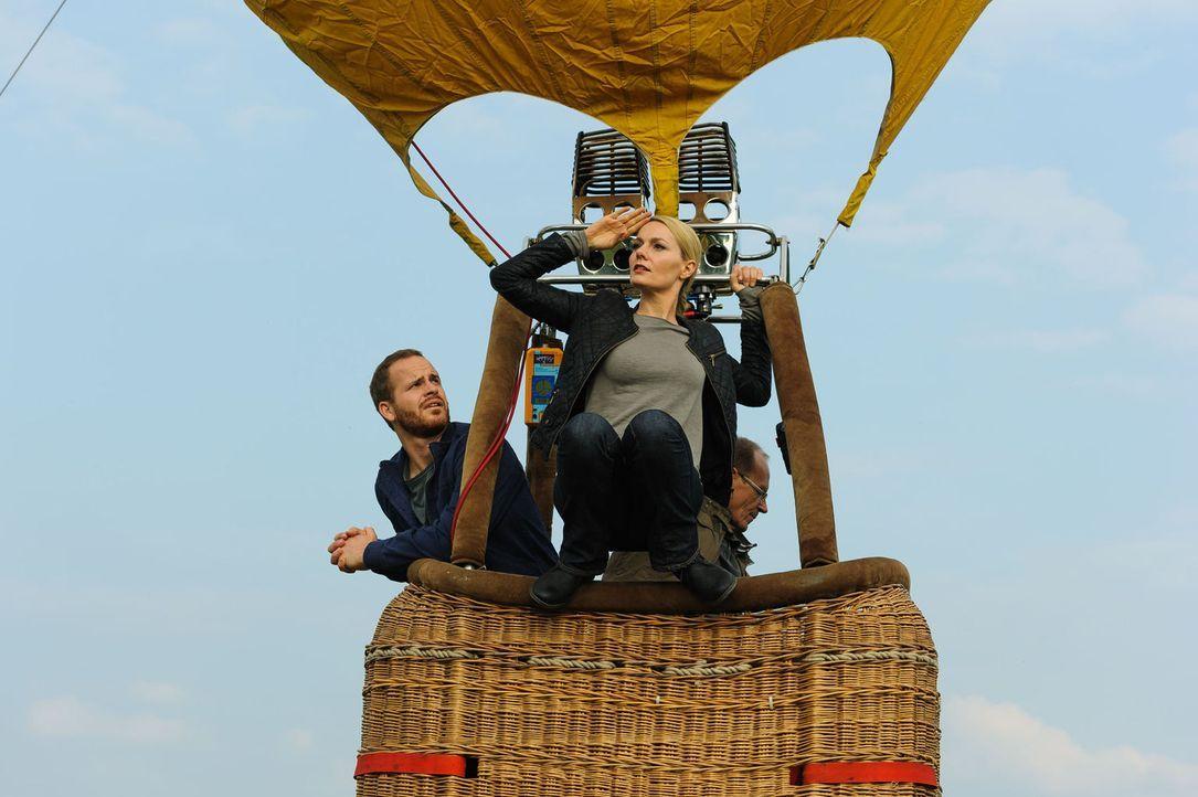 """(2. Staffel) - In """"Knallerfrauen"""" tut Martina Hill (M.) wonach ihr der Sinn steht - hemmungslos und unangepasst ... - Bildquelle: Willi Weber SAT.1"""