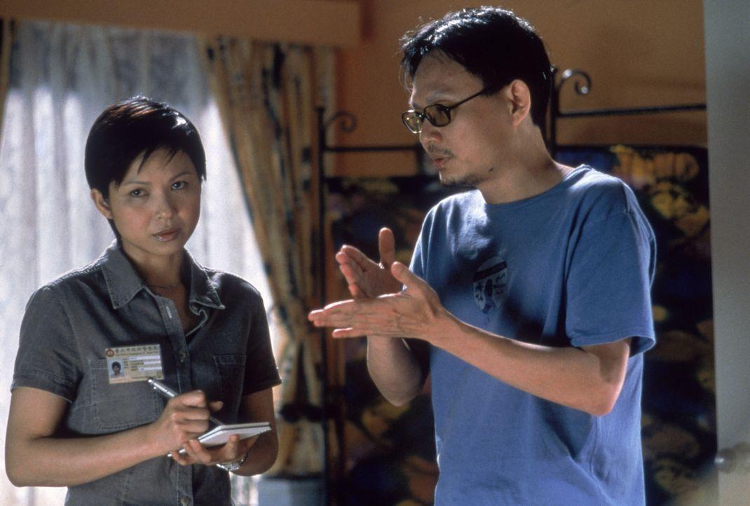 Letzte Anweisungen erteilt Regisseur Chen Kuo-Fu, r. der jungen Darstellerin Wei-Han Huang, l. - Bildquelle: 2004 Sony Pictures Television International. All Rights Reserved.