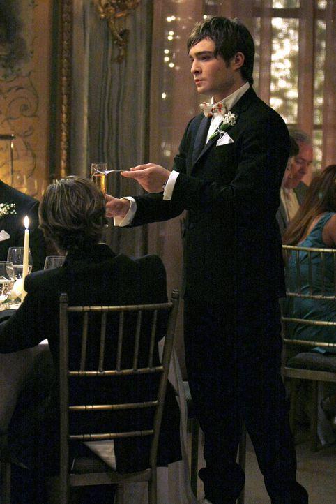 Romantisch: Chuck (Ed Westwick) hält eine Rede über die Liebe. Seine Muse ist ganz klar die wunderschöne Blair ... - Bildquelle: Warner Bros. Television