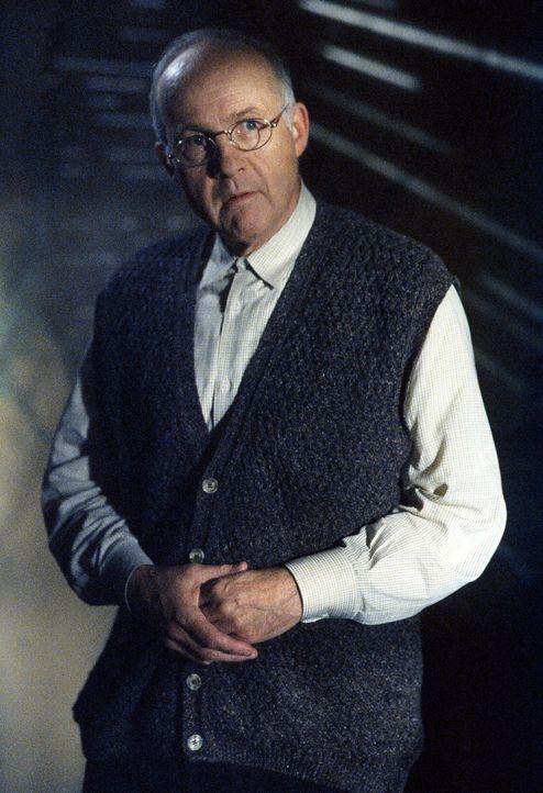 Mr. Milsap (Lawrence Pressman) ist ein Mitglied einer sehr gefährlichen Sekte. - Bildquelle: TM +   2000 Twentieth Century Fox Film Corporation. All Rights Reserved.