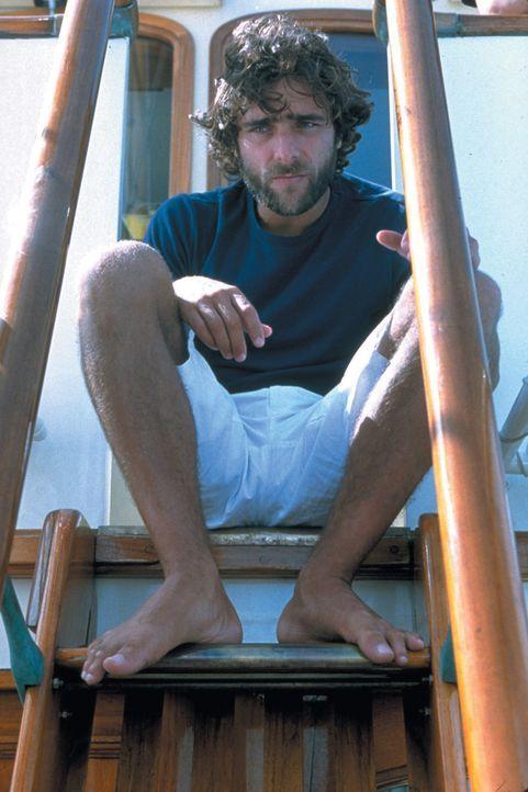 Lehrt der Society-Zicke Amber Benehmen: Giuseppe (Adriano Giannini) ... - Bildquelle: 2003 Sony Pictures Television International