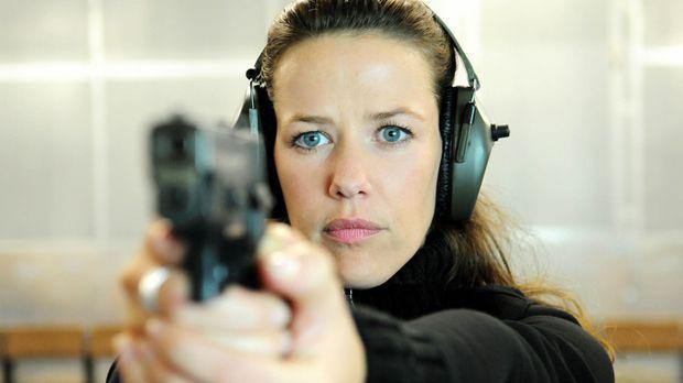 Als ein weiteres Opfer des Serienkillers bekannt wird, siegt Annas (Alexandra...