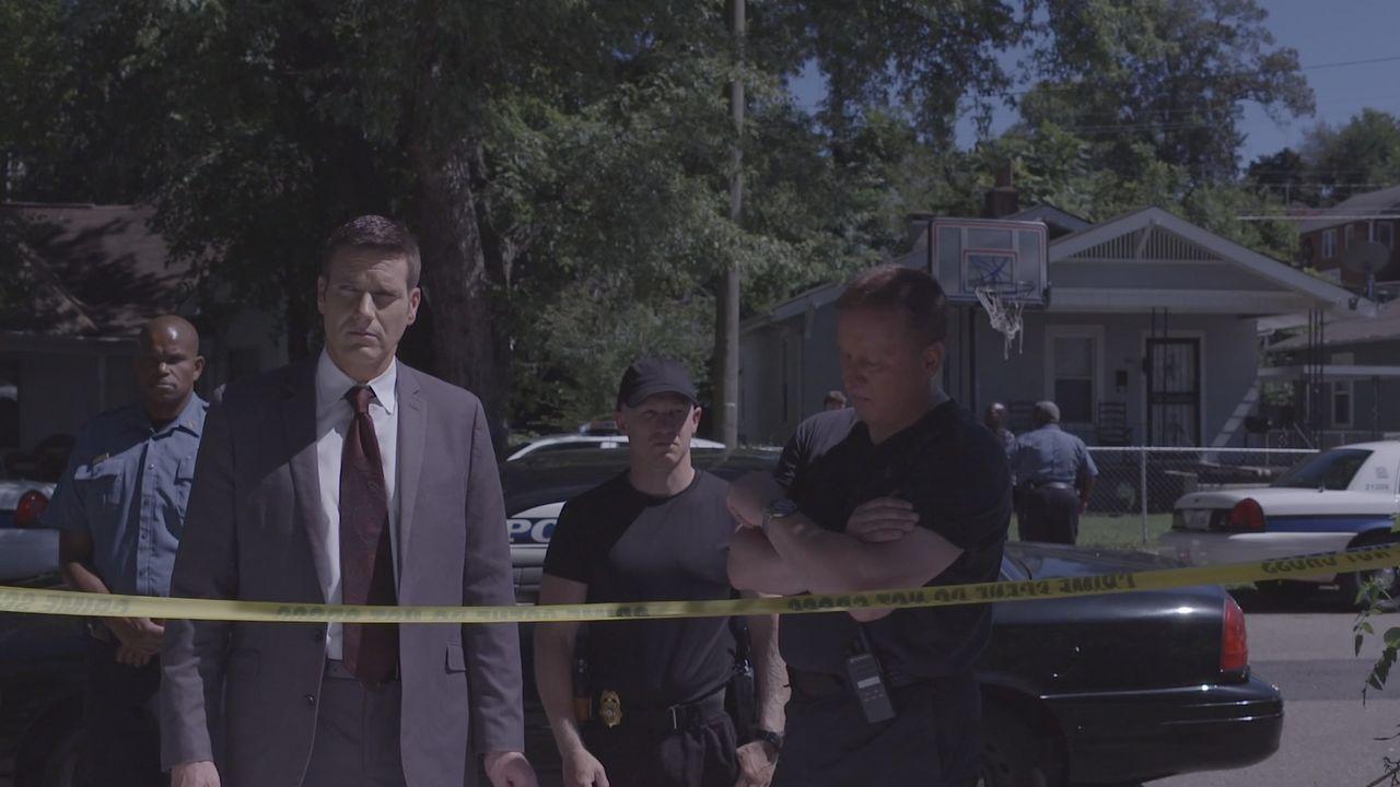 Wer ist der geheimnisvolle Brandstifter und Mörder? Ein unbekannter Täter hat in einer Vorstadt-Nachbarschaft eine Explosion ausgelöst und Menschen... - Bildquelle: Jupiter Entertainment