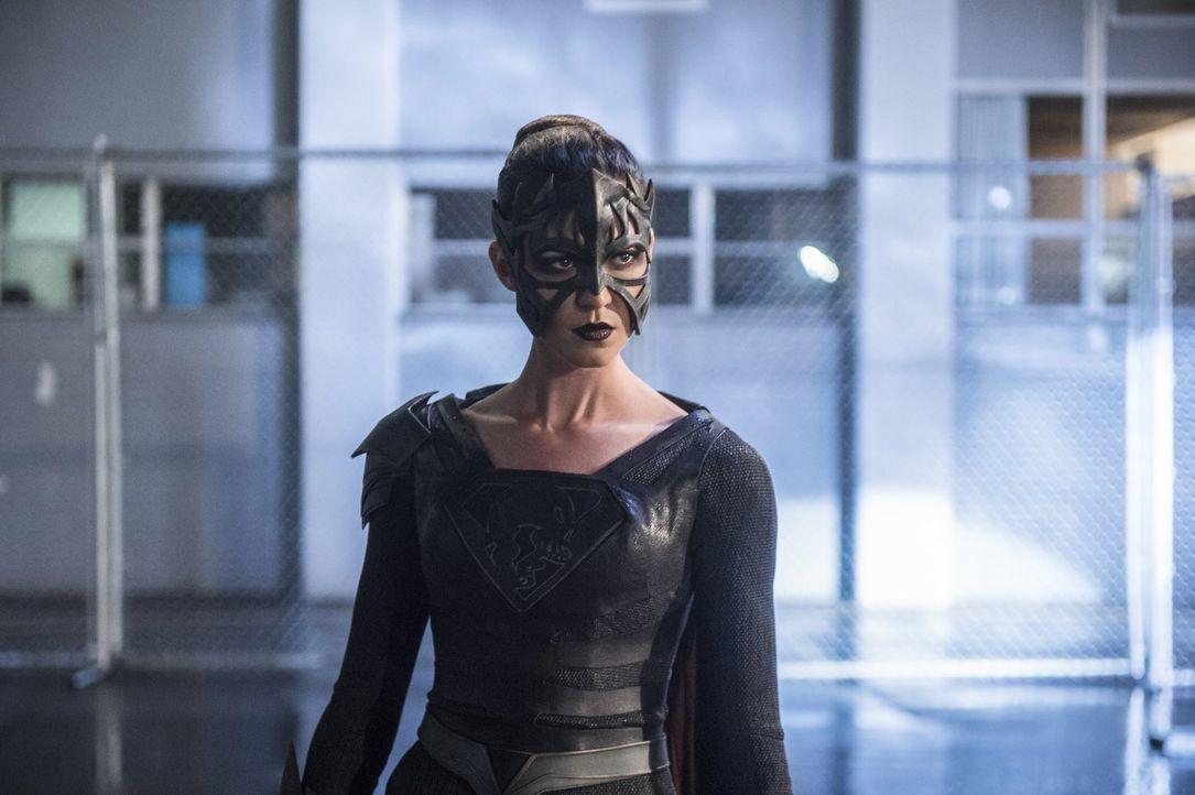 Sam alias Reign (Odette Annable) soll für Gerechtigkeit sorgen, doch ihr Weg dorthin ist nicht selten blutgetränkt ... - Bildquelle: 2017 Warner Bros.