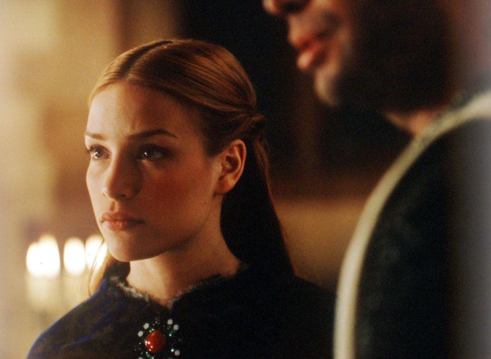 Obwohl Prinzessin Lunna (Piper Perabo) von einem Drachen entführt wurde, hütet sie dessen Drachenei wie ihren Augapfel ... - Bildquelle: ApolloMedia