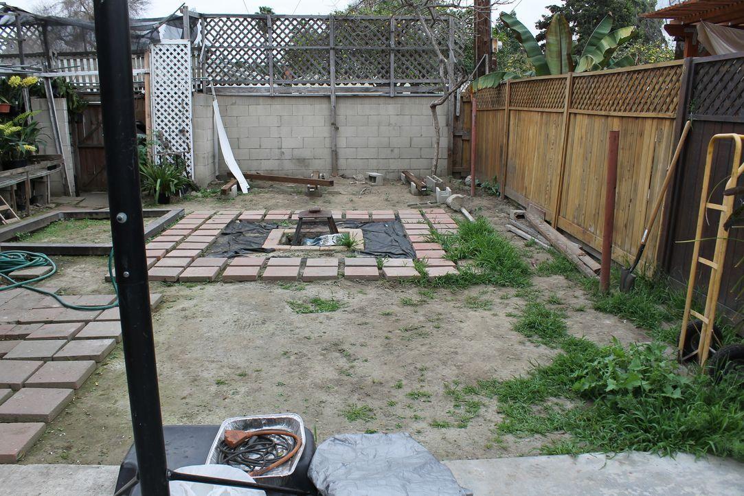Vor neun Jahren haben Joseph und Rowena das Haus von Rowensas Eltern abgekauft. Doch bisher konnten sie nicht Herr über den Garten werden ... - Bildquelle: 2014, DIY Network/Scripps Networks, LLC. All RIghts Reserved.